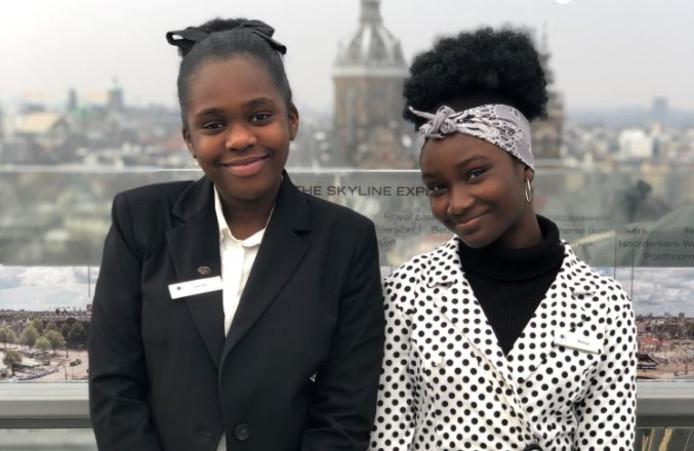 Akosua (13) en Gerrie (11) zijn één dag de baas bij het Hilton DoubleTree-hotel in Amsterdam.