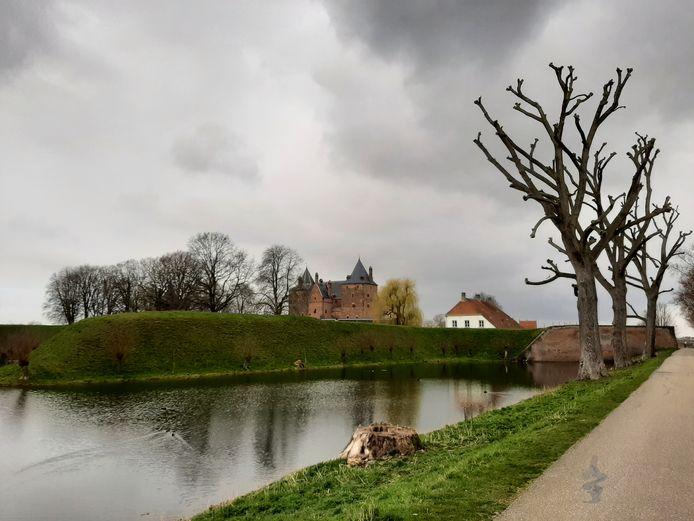 Slot Loevestein is van 21 tot en met 23 april open voor bezoekers, mits ze een negatieve sneltest kunnen laten zien.