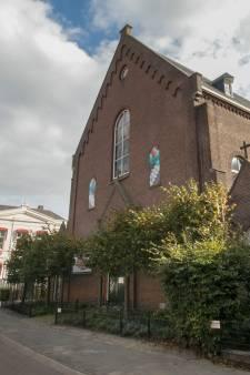 Monumentengroep: Paterskerk in Helmond overeind houden