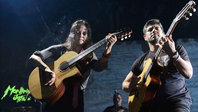 Gabriela en Rodrigo, hier op het jazzfestival in Montreux, een weekk voor hun optreden in Gent. Beeld EPA