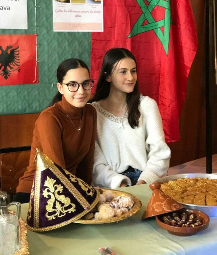 Amal en Fiona met hapjes uit de Marokkaanse en Albanese keuken.