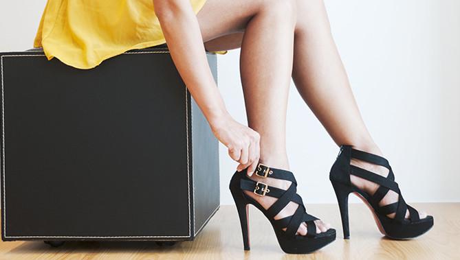 waarom dragen vrouwen hoge hakken