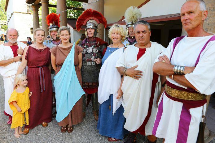 """Romeinen uit Rome zijn lovend over Archeon. ,,De gebouwen lijken echt op die in het oude Rome."""""""
