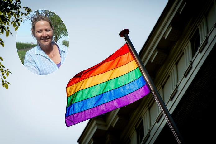 Lizzy Koppe-van Pelt doet aangifte bij het College van de Mensenrechten.