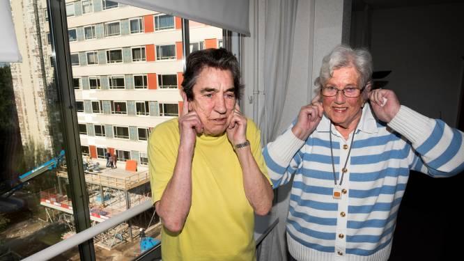 Margreet (77) wordt horendol van gekmakend lawaai van bouwvakkers: 'Ik moet bellen op het toilet'