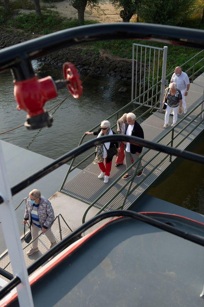 De boot vertrok om half tien vanuit Lage Zwaluwe