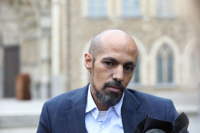 Advocaat Abdel Belkhouribchia aan de rechtbank in Tongeren.