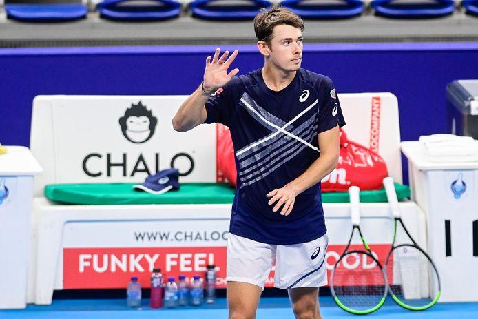 Au terme d'une finale qui n'aura duré que huit minutes, Alex De Minaur remporte son quatrième titre ATP.