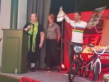 BMX-er Twan van Gendt in Velddriel gehuldigd voor wereldtitel
