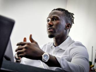 Mbaye Leye (38) op weg om nieuwe trainer van Standard te worden