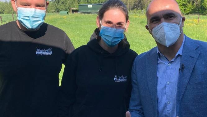 "Bondscoach Roberto Martinez bezoekt Villa Kakelbont: ""Rode Duivels eten elke dag Gijzegemse eitjes"""