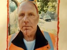 Boze vader (53) belaagt een medewerker van de groenvoorziening om pornografische kunstposter