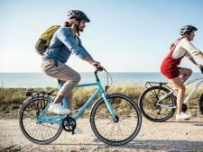 Fietsers op e-bikes vliegen uit de bocht of verliezen hun evenwicht: de juiste helm kan ongevallen voorkomen