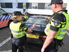 Grote politiecontrole in centrum Arnhem: ruim 200 bekeuringen