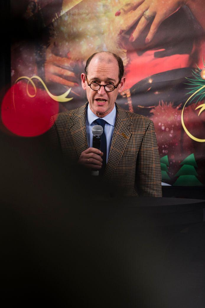 Burgemeester Sander Schelberg sprak zijn nieuwjaarscolumn uit, in het discussieprogramma Hengeloos Peil in de Hengelose poptempel Metropool.