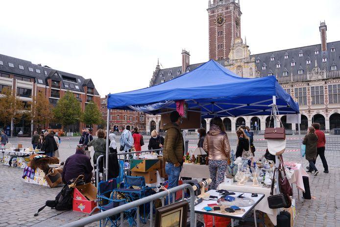 Brocanteries herstarten op het Ladeuzeplein in juni