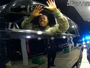 Une enquête ouverte sur l'interpellation musclée d'un militaire noir aux États-Unis
