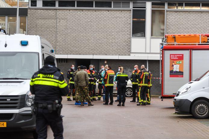 De EOD, brandweer en politie moesten tweemaal in enkele dagen naar de flat aan het Alphense Aïdaplein.