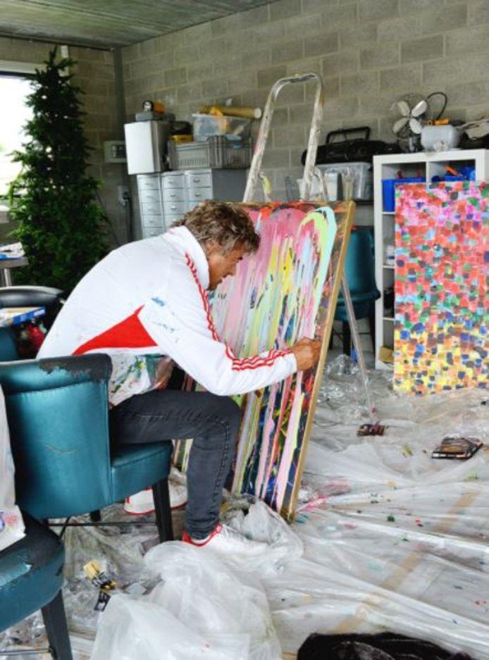 Zanger Rob van Daal uit Loenhout is ook actief als schilder.