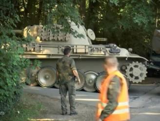 Duitse 'nazifreak' veroordeeld voor illegaal bezit oorlogswapens, moet afweergeschut en tank verkopen