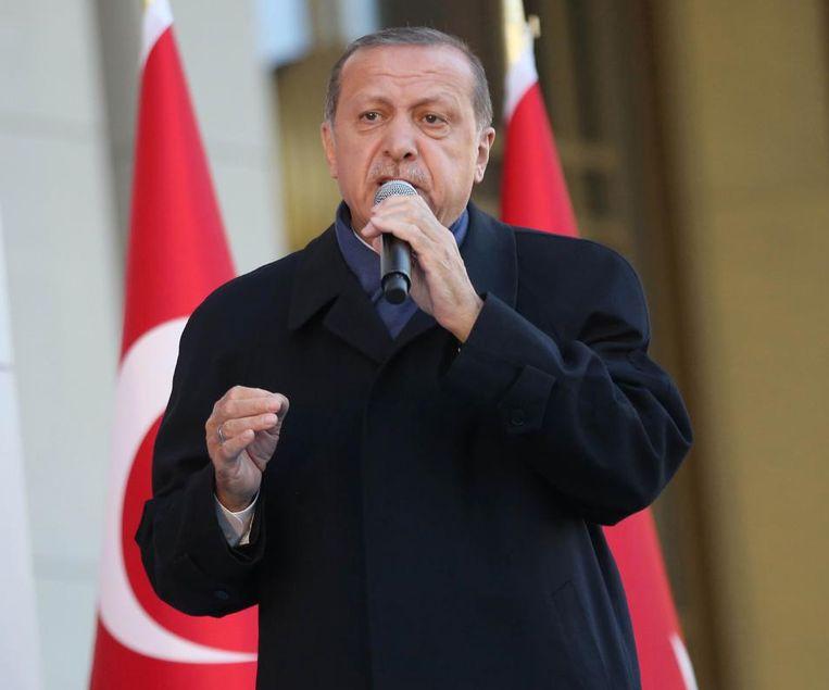 Erodgans harde taal houdt aan: in een interview met persbureau Reuters noemde hij de EU een onbetrouwbare partner waar de islamhaat hand over hand toeneemt. Beeld afp