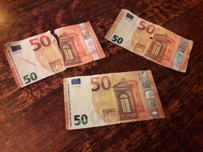 Briefjes vals geld, ter illustratie