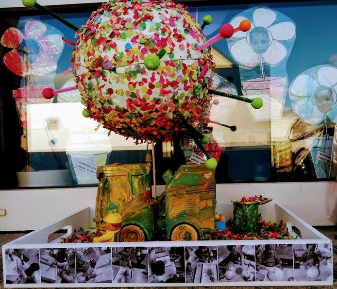 Carnaval in vrije basisschool 't Landuiterke in Denderleeuw. Dit werk behaalde de eerste prijs.
