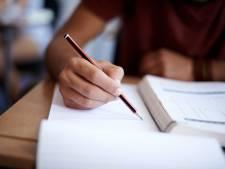 "Les étudiants autorisés à interrompre la quarantaine pendant les examens: un ""non-sens"" qui inquiète"