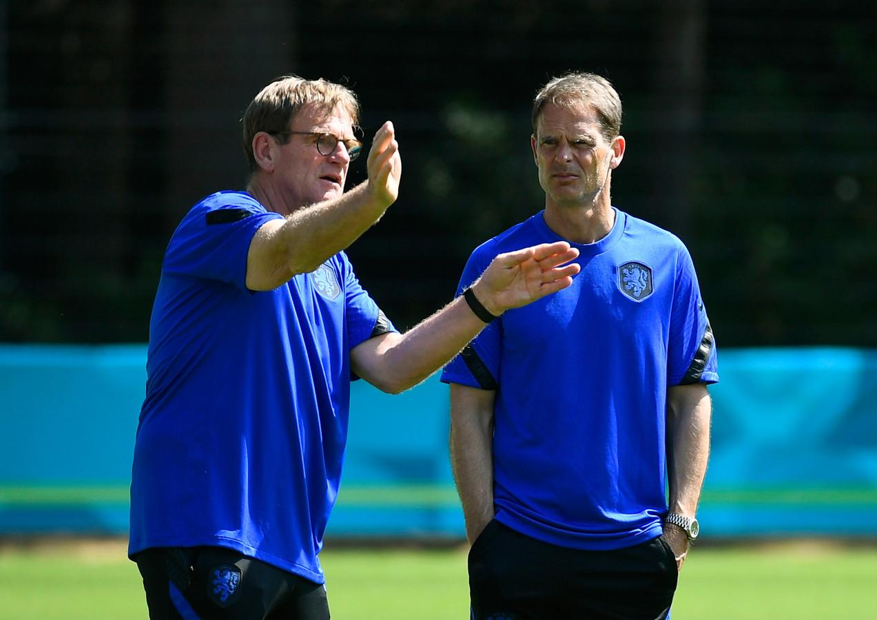 Dwight Lodeweges (l) en Frank de Boer.
