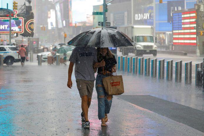 Times Square in de regen.