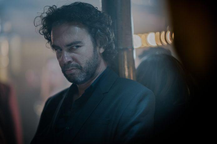 Tom Dewispelaere als John Beckers in 'Over Water'.