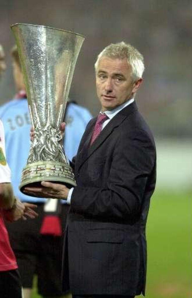 Het hoogtepunt uit de carrière van Bert van Marwijk: de triomf met Feyenoord in de Uefa Cup in 2002. Beeld UNKNOWN