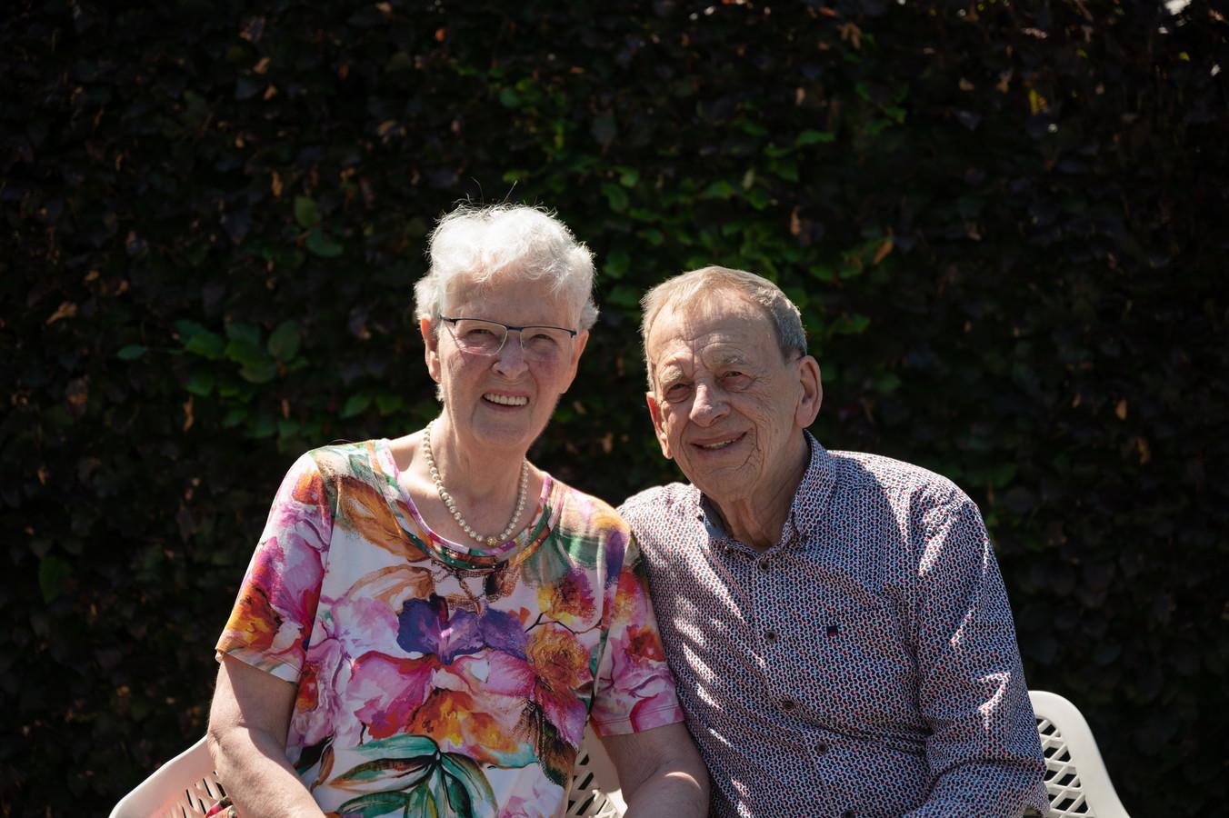 Kees Smulders en Willie Smulders-Kuijpers zijn 26 juli 60 jaar getrouwd.