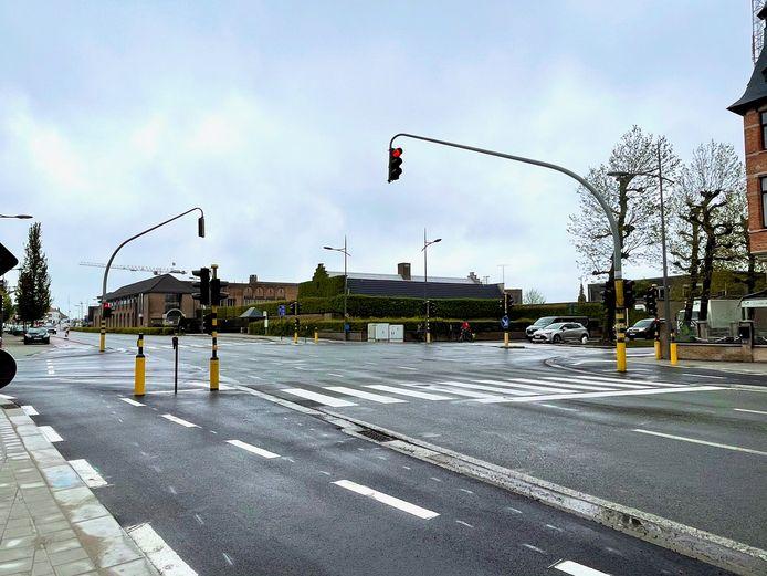 Het kruispunt van de Scheepsdalelaan met de Leopold I- en Leopold II-laan.