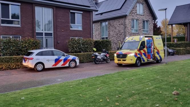 Gewonde persoon die in woning Rhenen gevonden werd, is overleden in ziekenhuis'