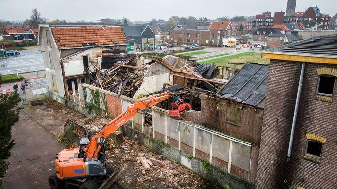 Het Welkooppand in Steenwijk wordt gedeeltelijk gesloopt, zodat het gevaar voor de omgeving verdwijnt.