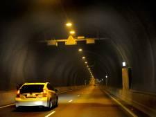 Drie auto's botsen in Westerscheldetunnel, oostbuis korte tijd afgesloten
