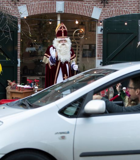 Alternatief sinterklaasfeest in Vorden: in de file voor 'drive-intocht'
