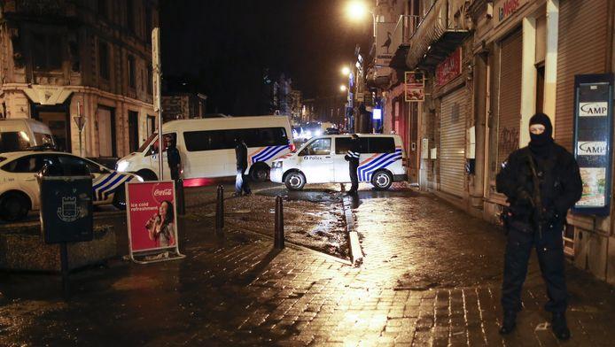 De politie wist vanmorgen twee mannen aan te houden bij de grote anti-terreuractie in Berlijn.