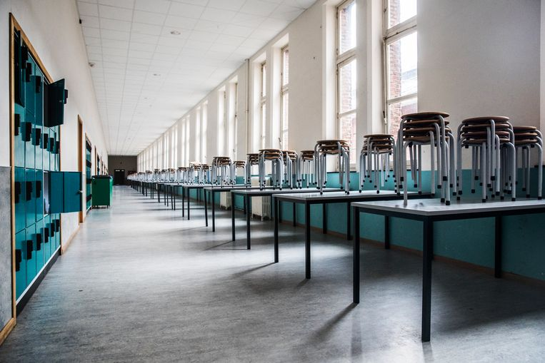Het Heilig Hartinstituut in Heverlee oogt nogal desolaat op de eerste dag van de coronamaatregelen. Beeld Aurélie Geurts
