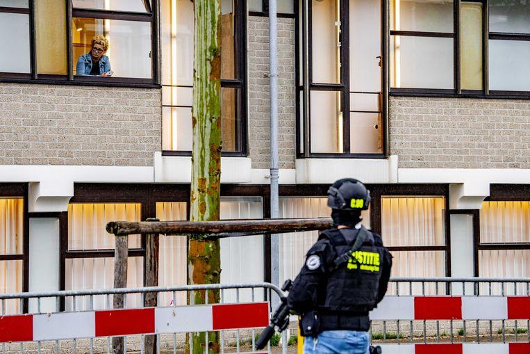 Beveiliging bij de bunker in Amsterdam, voorafgaand aan de de inhoudelijke behandeling van het meerdaagse proces Marengo.  Beeld ANP/Robin Utrecht