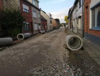Vlaamse Milieumaatschappij geeft groen licht voor heropstart rioleringswerken in Polderstraat na PFAS-vervuiling