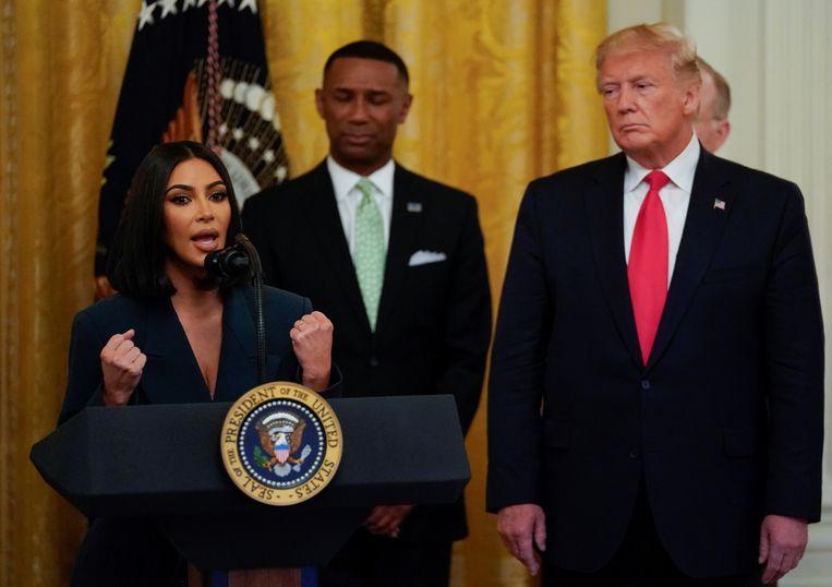 Kim Kardashian pleitte vorig jaar bij president Donald  Trump voor nieuwe wetten om het Amerikaans gevangeniswezen te hervormen. Beeld REUTERS