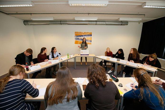 Knippenbergcollege in actie bij NK debatteren