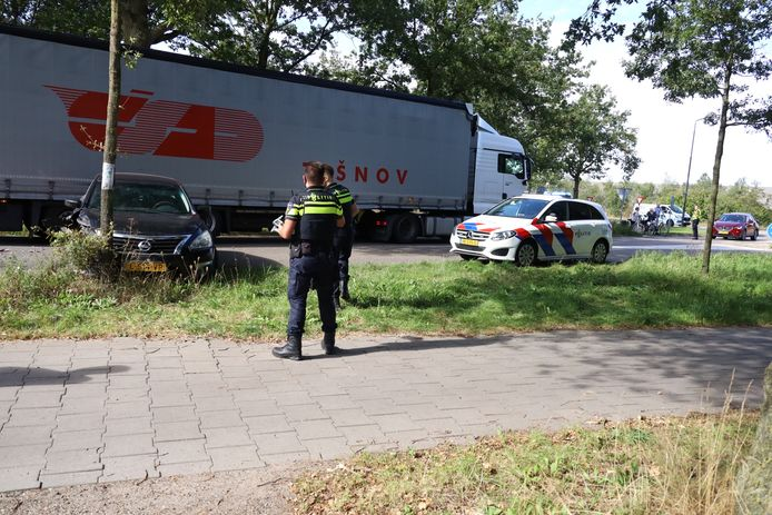 De man werd overgebracht naar het politiebureau in Uden.