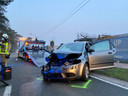 Een auto botste dinsdagmorgen in Zoersel achterop een vrachtwagen.