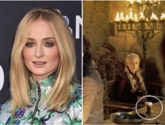 Sophie Turner verklapt schuldige van koffiebeker-incident in 'Game Of Thrones'