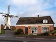 Actie voor behoud bijgebouwen naast Halsterse molen