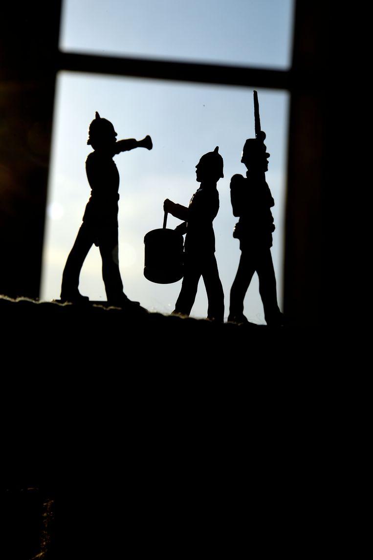 Het jongetje van zeven in Kalman Stefánsson roman vlucht in zijn tinnen soldaatjes. Beeld Getty Images