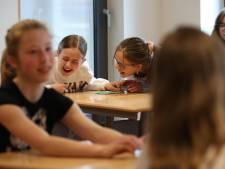 Meiden warm maken voor techniek met Girls' Day: 'Ik wil al heel lang kapster worden'